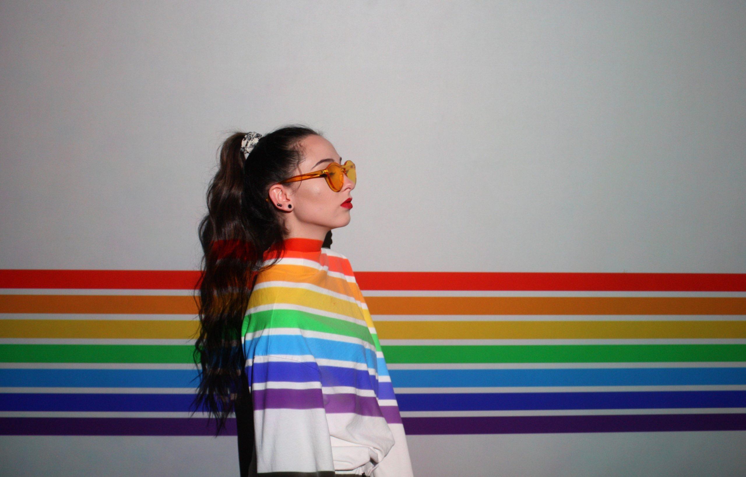 ما هي الكويرية الجندرية - معايير المغايرة الجنسية ولا معايير المثلية الجنسية - ما معنى كوير - الميول الجنسية - اللا ثنائية الجندرية