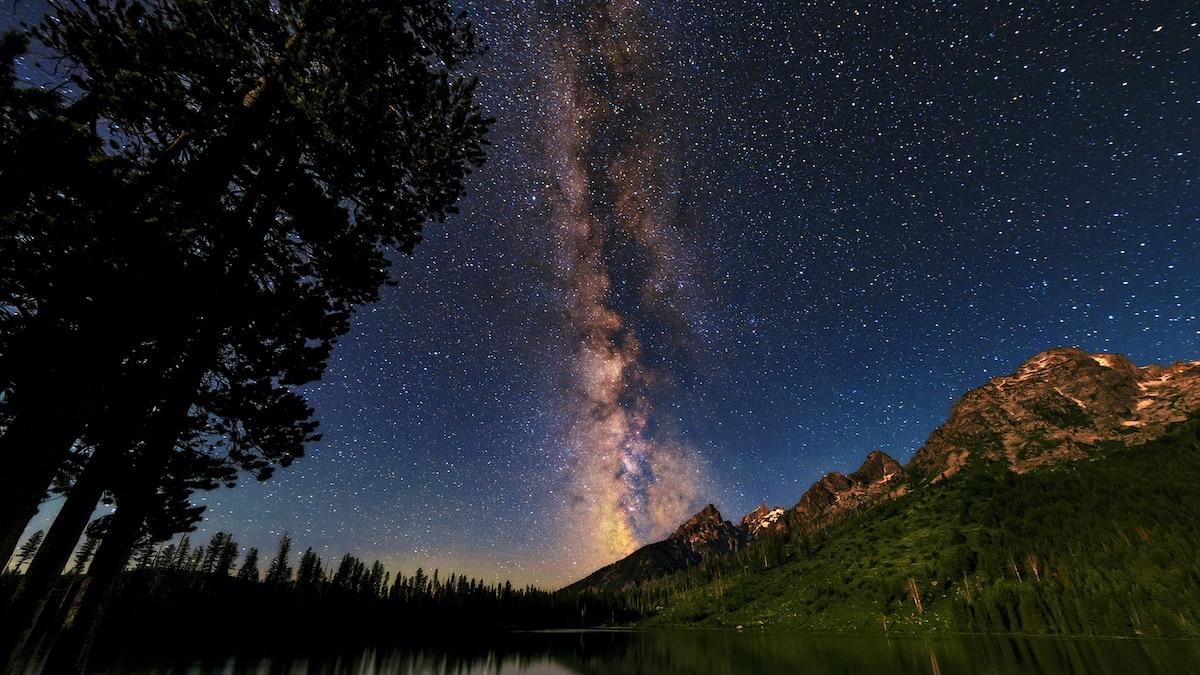 اكتشاف سحابة كونية أكبر بكثير من مجرة درب التبانة