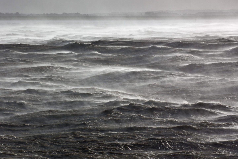 تنخفض نسبة الاوكسجين في مياه المحيطات بسببنا نحن !