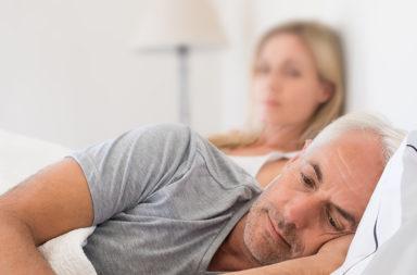 ما هو سبب وعلاج المسشكلات الجنسية التي يعاني منها الرجال عند خضوعهم لعلاج سرطان البروستات؟ كيف يؤثر سرطان البروستات على النشوة الجنسة