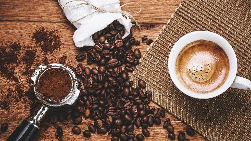 لماذا تسبب القهوة رائحة فم كريهة؟