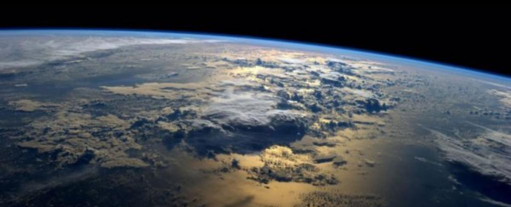 لماذا عرضت ناسا الأرض للتبني؟