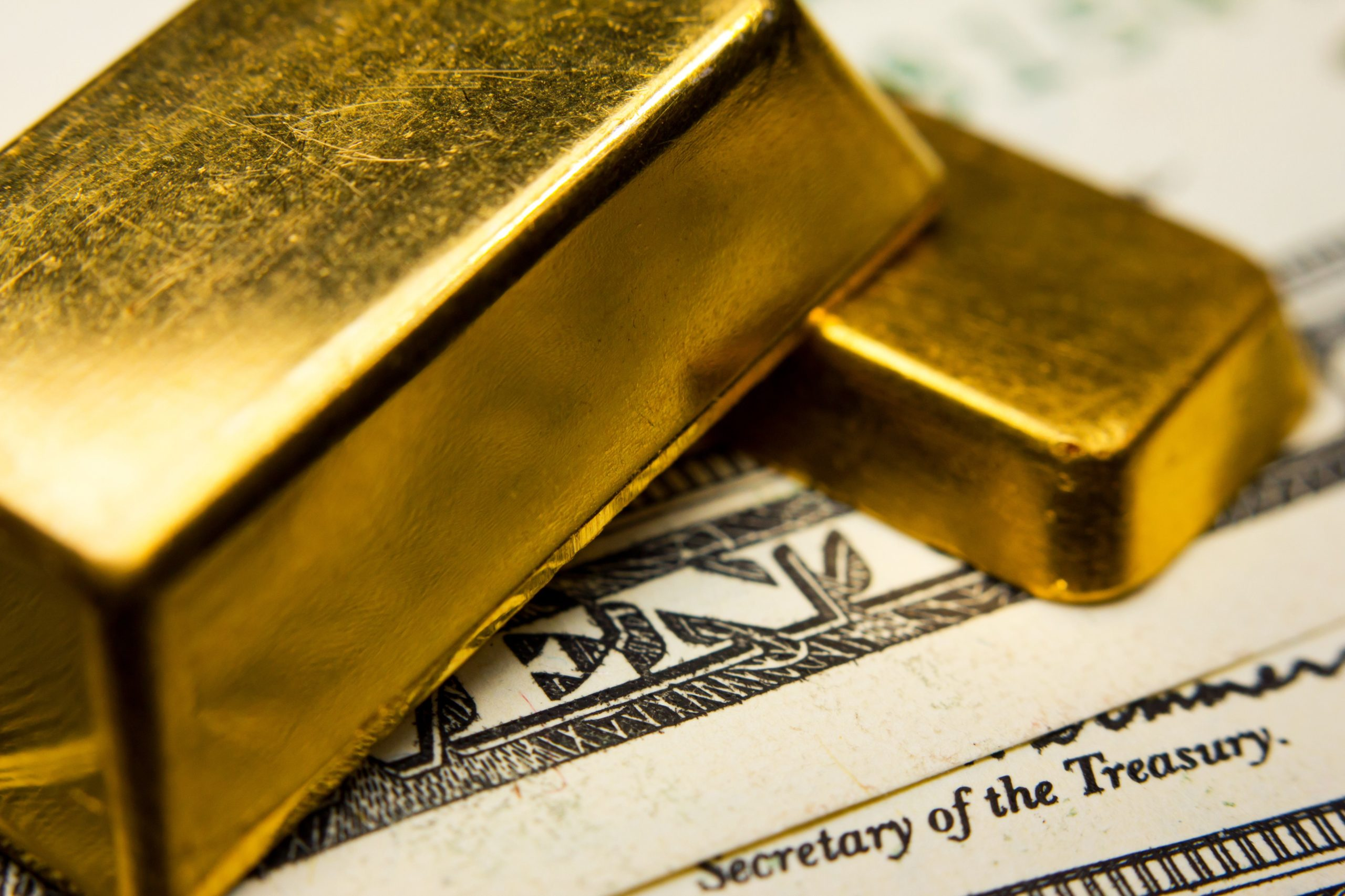 ما هو معيار الذهب - ارتباط قيمة العملة بالذهب - العلاقة بين العملية المحلية ومعدن الذهب - القبول بالذهب وسيلة لتسوية المدفوعات