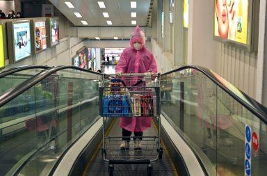 لماذا أصابنا هلع التسوق وما الذي علينا فعله؟ علم النفس يجيب - تعامل الشعب الأسترالي مع أزمة كورونا - تأمين المواد الغذائية غير القابلة للتلف