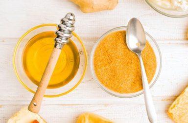 العسل أم السكر: أيهما أفضل للتحلية - يضيف كل من العسل والسكر حلاوة للأطعمة والوجبات الخفيفة - السكريات الثنائية - استقلاب المحليات