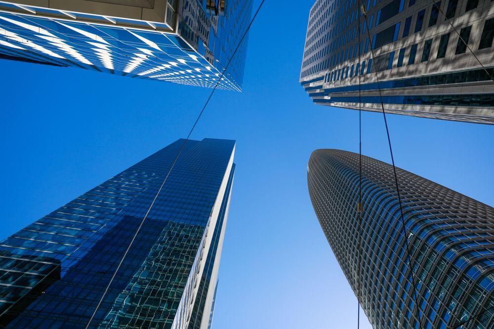 وزن المدن الهائل يجعلها تغرق، إضافة إلى ارتفاع مستوى سطح البحر