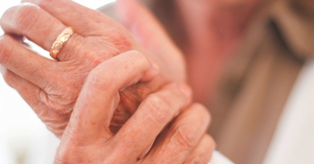 تكلس الغضاريف (النقرس الكاذب): الأسباب والأعراض والتشخيص والعلاج