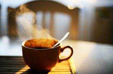 ما تأثير إدمان الكافيين وكيف يمكن التخلص منه - تأثير الكافيين في الجسم - القهوة والشاي والصودا والشوكولاتة من أكثر مصادر الكافيين الشائعة لمعظم الناس