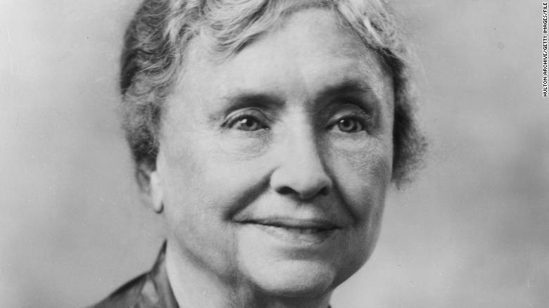 هيلين كيلر: تعرف على الكاتبة الأسطورية التي كانت تعاني الصمم والعمى