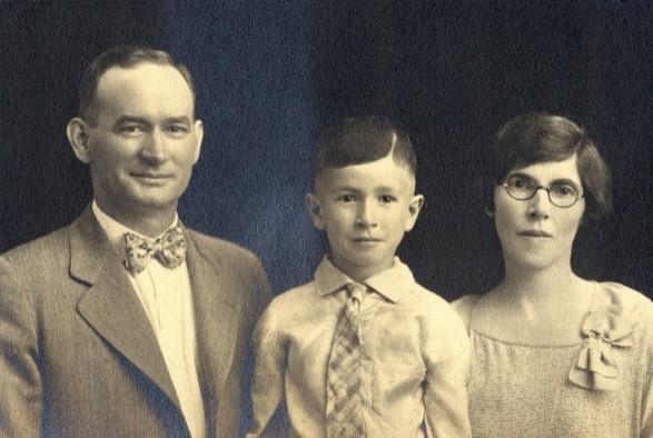 الأسرة الفائزة في مسابقة (الأسرة الأصلح)، معرض كانساس الحر 1927