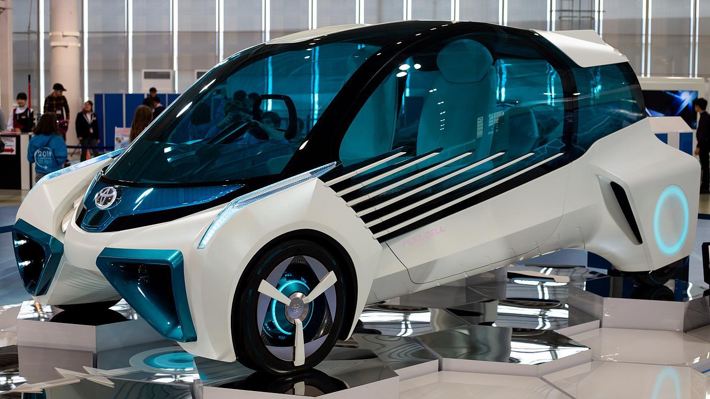 لماذا لا نصنع سيارات تعمل بالوقود المائي - تحرير الطاقة من الماء - خلية كهروكيميائية تنتج الكهرباء عبر تفاعل الهيدروجين مع الأكسجين - سيارة تعمل على الماء