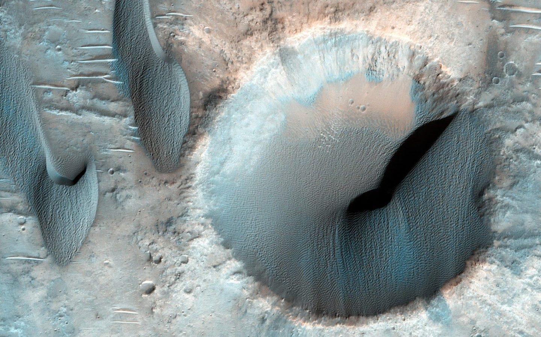 سر الكثبان الرملية المريخية المألوفة