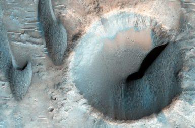 سر الكثبان الرملية المريخية المألوفة - التاريخ الجيولوجي للكوكب الأحمر - التآكل المستمر وتحرك الصفائح التكتونية - الرياح على سطح المريخ