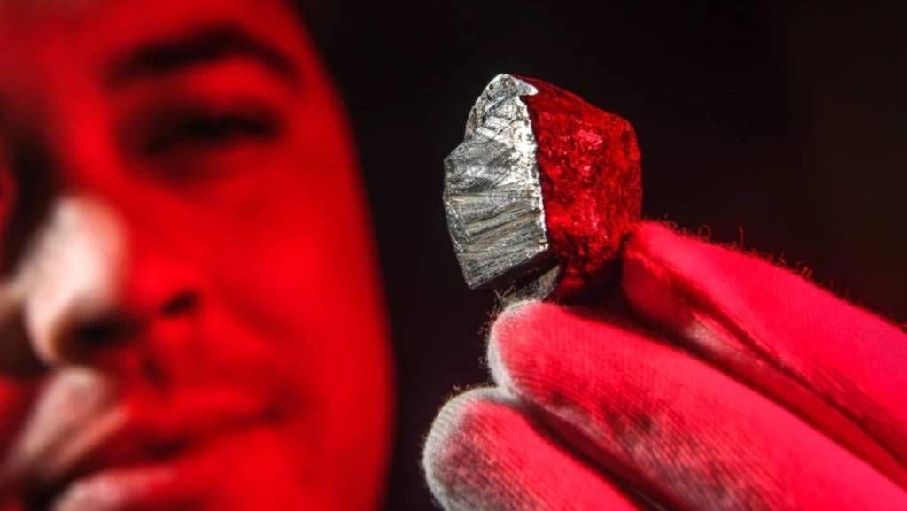 اكتشاف معدن جديد لم تسبق رؤيته من قبل في أستراليا