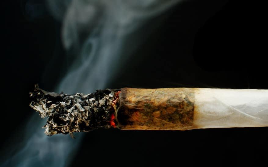 التدخين السلبي للماريغوانا ضار أيضا!