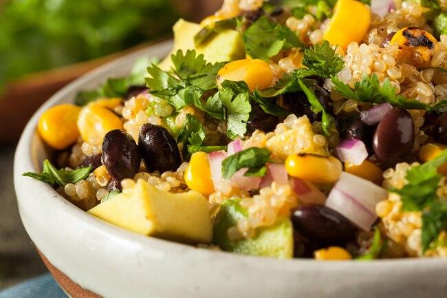 عشرة أطعمة أغنى بالبروتين من البيض - أطعمة أخرى غير البيض غنية بالبروتين - مصادر أطعمة غنية بالبروتين أكثر من البيض - أطعمة مفيدة
