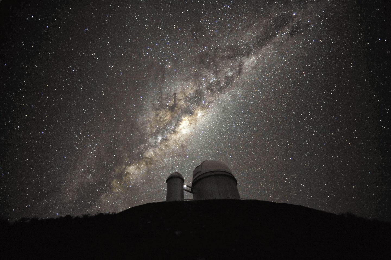 تيار واسع من النجوم المتدفقة دليل على التاريخ العنيف لمجرة درب التبانة