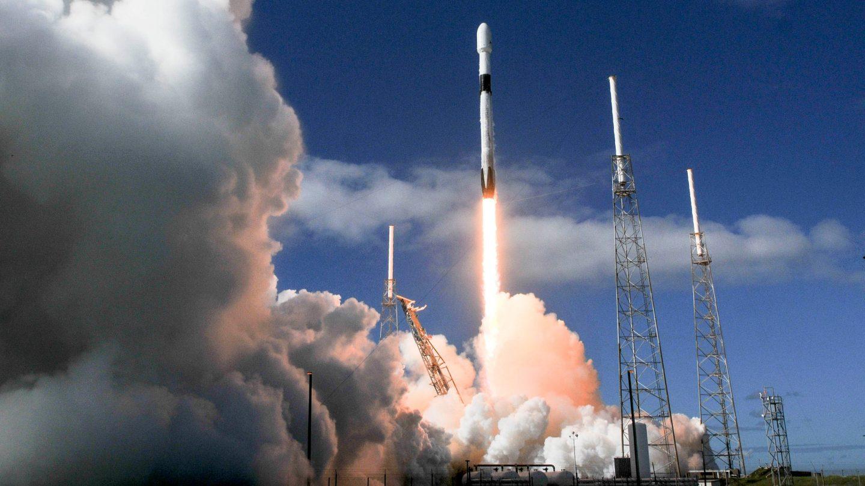سبيس إكس تطلق 60 قمرًا صناعيًّا جديدًا تابعًا لمشروع ستارلينك