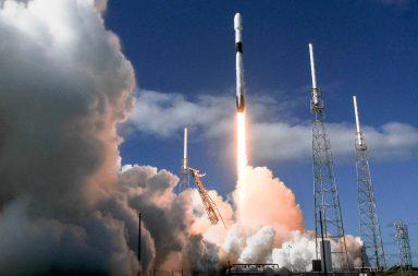 سبيس إكس تطلق 60 قمرًا صناعيًّا جديدًا تابعًا لمشروع ستارلينك - أجبرت الرياح القوية الشركة المتخصصة في رحلات الفضاء على تأجيل إطلاق مهمة ستارلينك-3