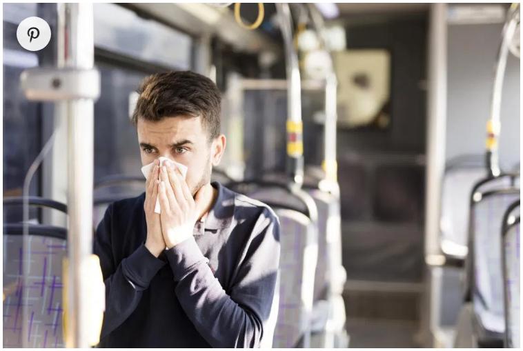لالتهاب الجيوب الأنفية أعراض تشبه نزلات البرد، وتسبب سيلان الأنف أيضًا