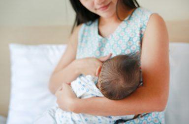 الرضاعة الطبيعية تقلل خطر الإصابة بسرطان المبيض - الرضاعة الطبيعية مرتبطة بانخفاض خطر إصابة المرأة بجميع أنواع سرطان المبيض