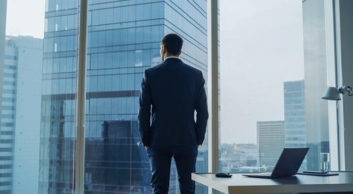 ما الفرق بين المدير التنفيذي والرئيس؟