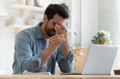 ما هي أسباب الشعور بالخمول - الشعور بالنعاس أو الإرهاق والكسل - انخفاض اليقظة أو القدرة على التفكير - تغيرات في المزاج - ضيق في التنفس