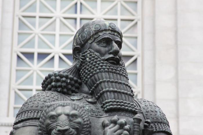 شريعة حمورابي وقوانين بابل القديمة