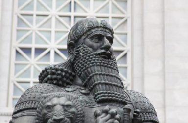 حمورابي: معلومات وحقائق - سادس ملوك سلالة بابل الأولى وأشهرهم - قوانين الملك السومري أورنمو - عادات البلاط العراقي القديم