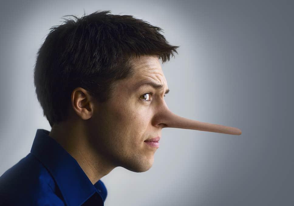 لماذا يكذب بعض الناس أكثر من اللازم؟