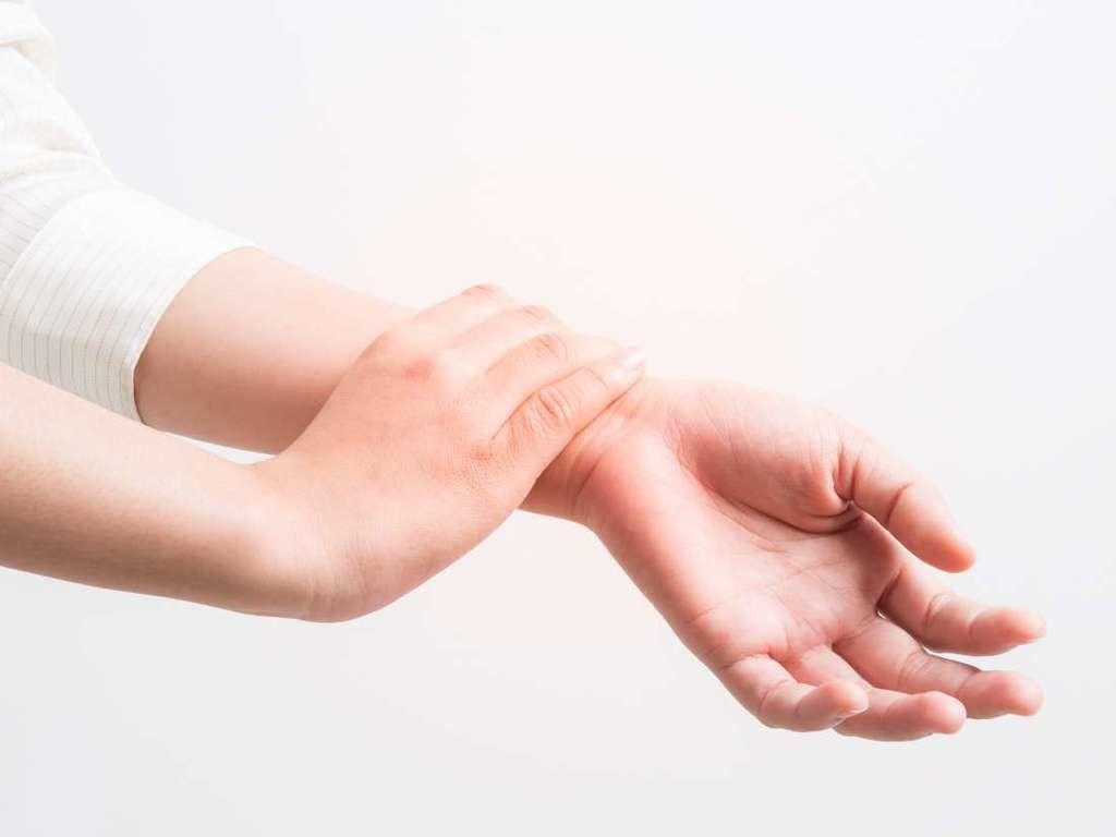نوبة الصرع الجزئي: الأسباب والأعراض والتشخيص والعلاج