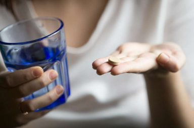 قد تسبب مضادات الاكتئاب أعراضًا تشبه الانسحاب ما يزيد الاعتماد عليها - التوقف المفاجئ عن تعاطي مضادات الاكتئاب - الاعتماد البدني