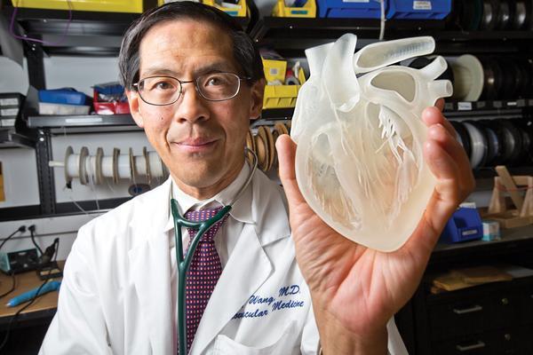 أول قلب مكتمل من نسيج بشري باستخدام الطباعة ثلاثية الأبعاد