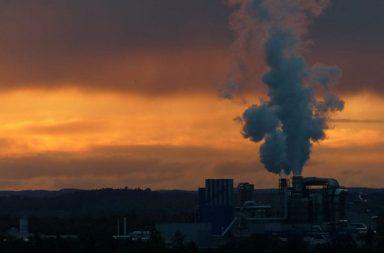 تُظهر صور الأقمار الصناعية انخفاض التلوث بثاني أكسيد النيتروجين فوق الصين - سبب انتشار فيروس كورونا حظر السفر والحجر الصحي
