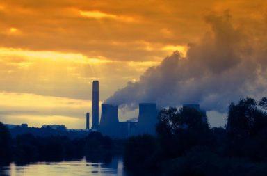 طريقة جديدة لتحويل ثاني أكسيد الكربون الناتج من المصانع ومحطات الطاقة إلى وقود - الغاز الاصطناعي أو الغاز المركب - الهيدروجين وأول أكسيد الكربون