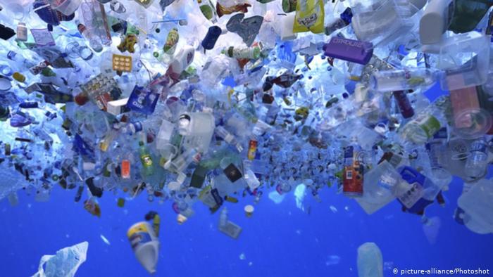 لماذا نعتمد كثيرًا على البلاستيك ؟