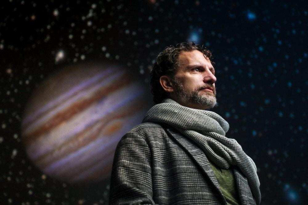 جاليليو و الثورة العلمية
