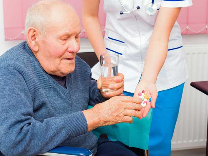 دواء ليفودوبا الاستنشاقي: الاستخدامات والجرعات والتأثيرات الجانبية والتحذيرات - دواء يستخدم لعلاج أعراض مرض باركنسون - أدوية ليفودوبا