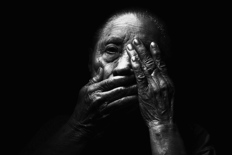 كيف تتعافى من صدمة الموت المفاجئ لأحد أحبائك؟