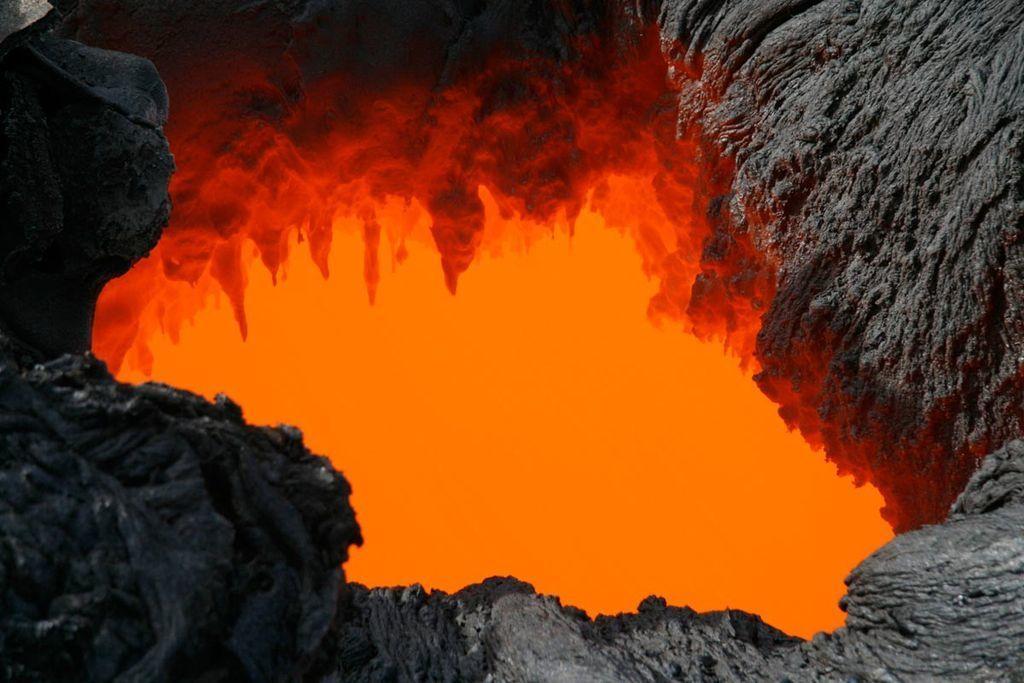 أشهر وأهم أنواع الصخور البركانية وما الذي يميزها