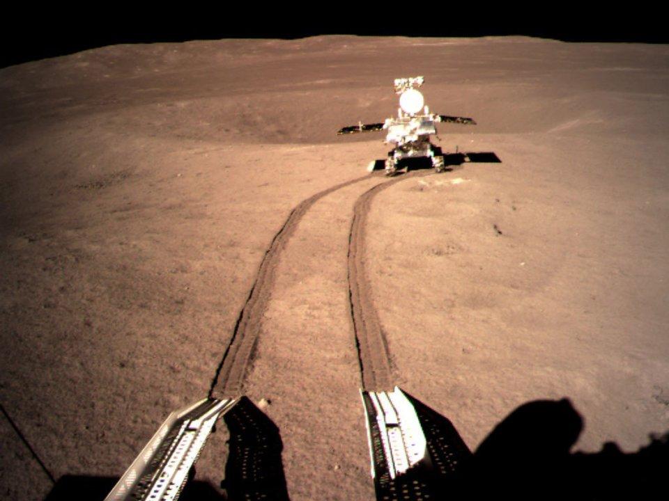 الصين تكشف عن صورة جديدة حول المادة الغريبة التي وجدتها على القمر