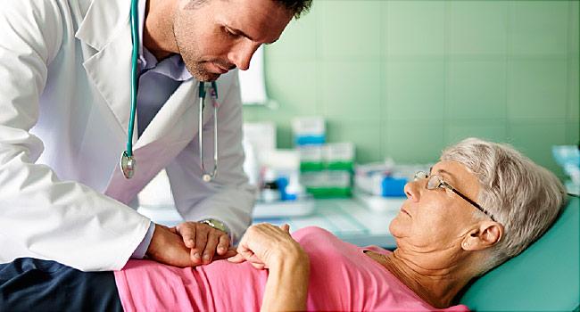 تعرف على أبرز المشاكل الصحية التي قد تظهر فجأة بعد سن الخمسين - ما هي أبرز الأمراض التي قد يصاب بها البشر عند تقدمهم في السن