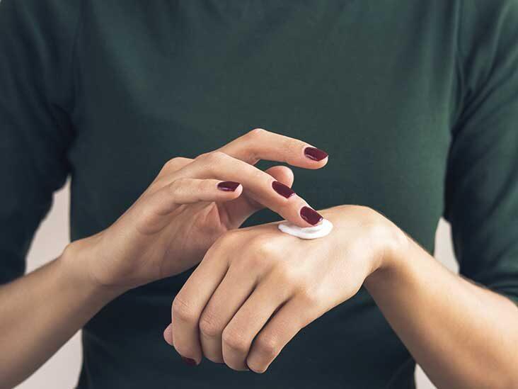 كيف تتجنب جفاف الجلد وتشققه بعد غسل اليدين؟