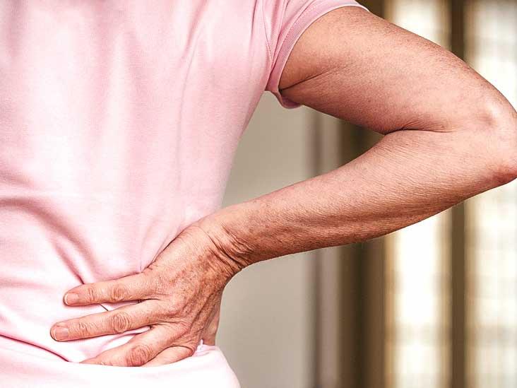 ما العلاقة بين ألم الظهر والسلس البولي؟