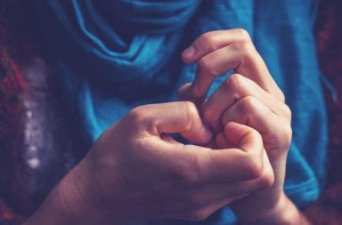 لماذا نخاف الوقوع في الحب - لم يخاف العديد من الناس الوقوع في الحب - يساعد الحب الفرد على النمو الشخصي وتحقيق الذات فلم الخوف منه