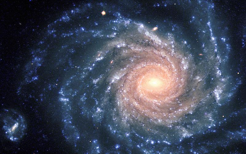 هل لبنية الكون نمط معين؟