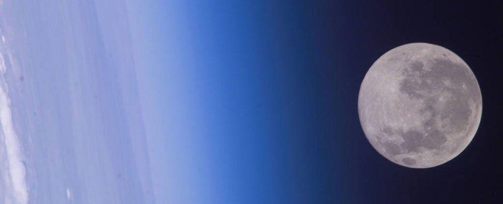 هل يحتفظ القمر باسرار الارض و ماضيها ؟