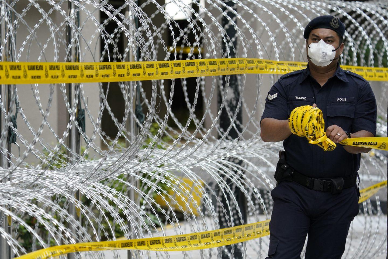 العزلة الإجبارية لمكافحة فيروس كورونا: صراع بين حقوق الإنسان والصحة العامة