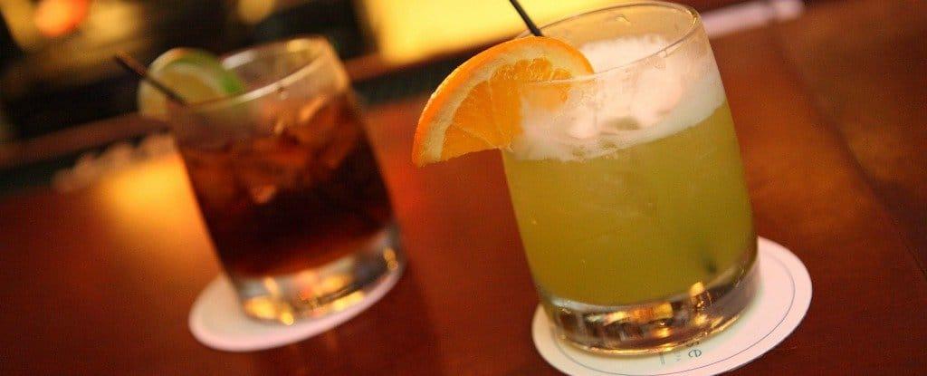 لا تستطيع الإقلاع عن شرب الكحول؟ إليك السبب وأضرار ذلك على صحتك