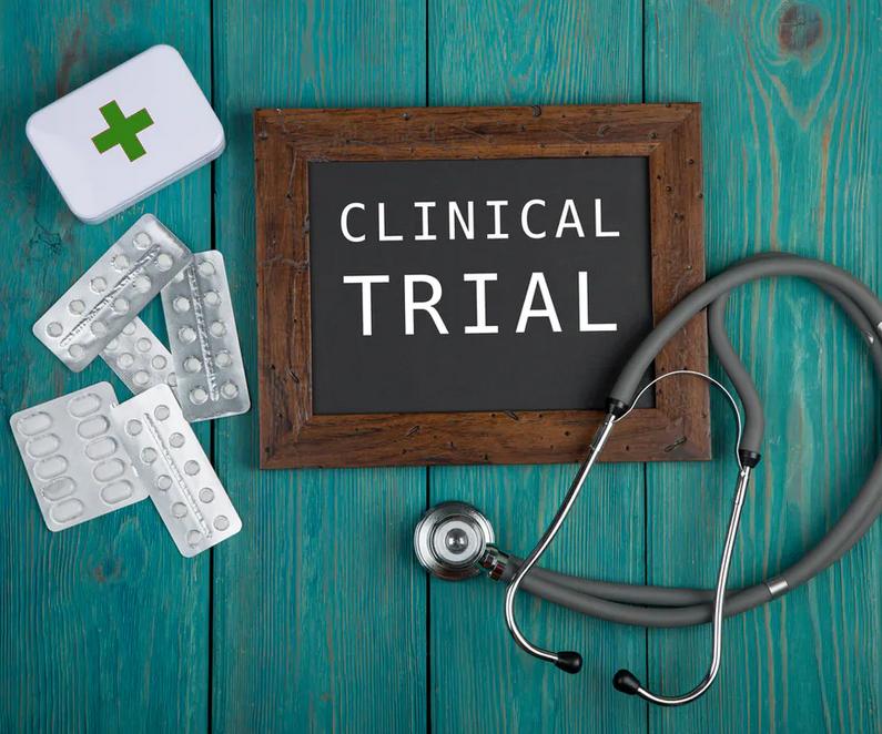 ماذا يحدث في كل مرحلة من مراحل التجارب السريرية؟